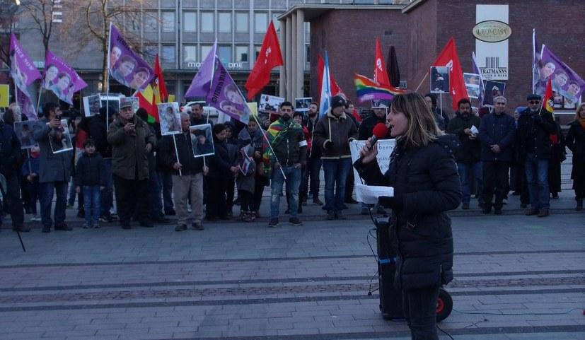 """""""Dies muss ein antiimperialistischer Kampf sein"""" - Gabi Fechtner spricht beim Aktionstag in Essen"""