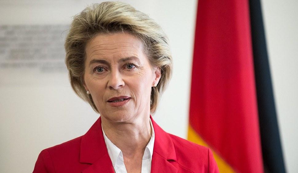 Bundesverteidigungsministerin Ursula von der Leyen will aufrüsten (foto: gemeinfrei)