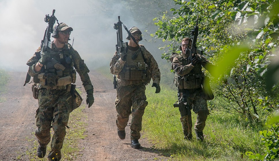 Meinungsmanipulation und Medienkampagne um die Aufrüstung der Bundeswehr zu rechtfertigen