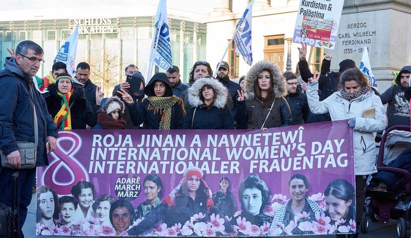 Kämpferische Kundgebung und Newroz-Feier in Solidarität mit Efrîn