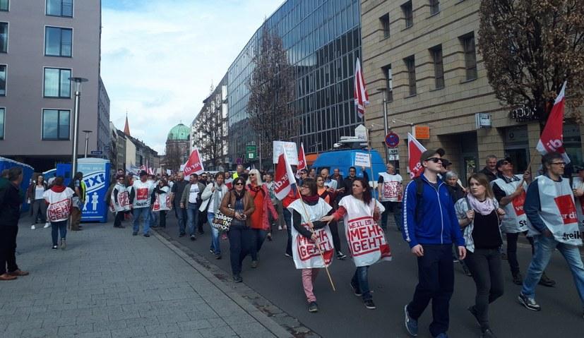 9.000 ver.di-Kolleginnen und Kollegen demonstrierten in Nürnberg