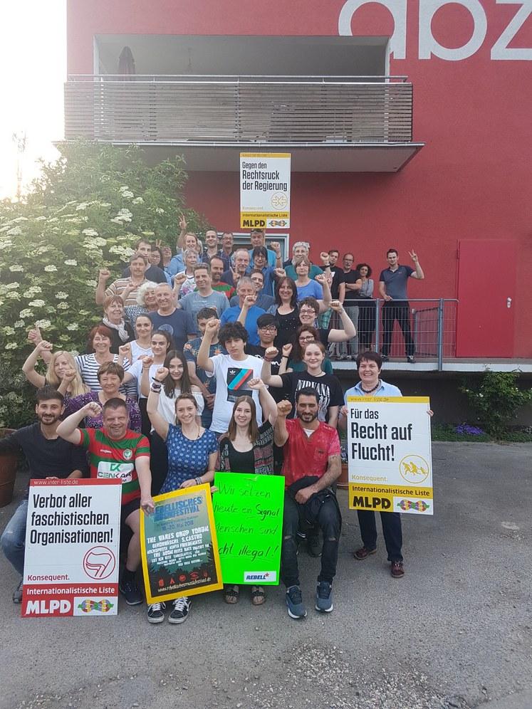 Sponsorenessen für Flüchtlinge wird zu Protestveranstaltung