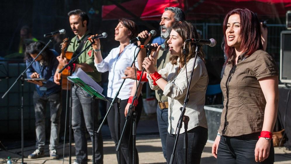 Auftritt Grup Yorum - ein Sieg der politischen Offensive und weitreichenden Solidarität