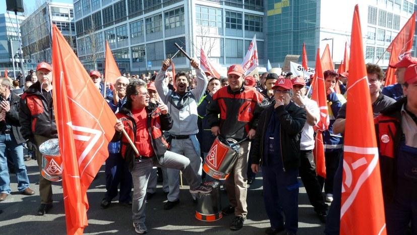 Azubis und Ultras gegen neue Polizeigesetze!