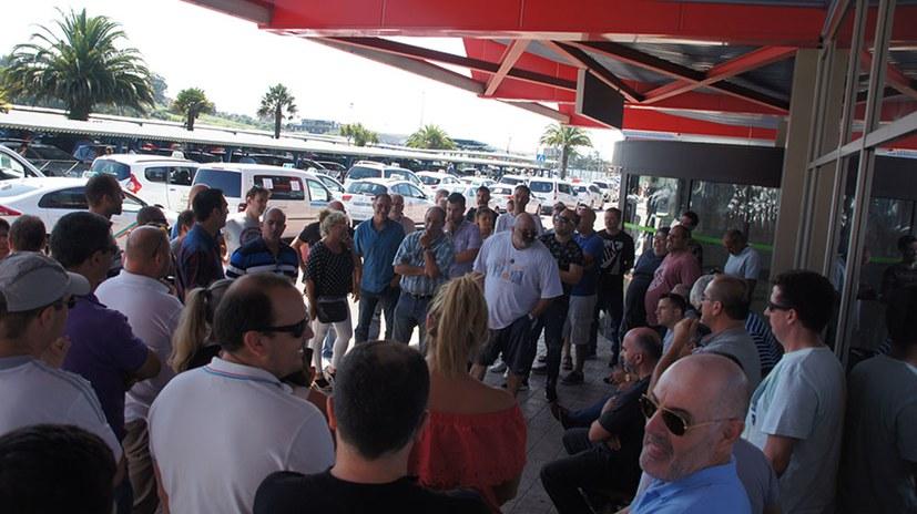 Landesweiter Taxifahrer-Streik setzt Spaniens Regierung unter Druck