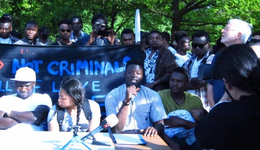 Alassa Mfouapon muss zurückgeholt werden und Asyl erhalten!