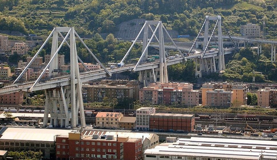 Die Unglücksbrücke vor der Zerstörung (foto: Bbruno (CC BY-Sa 3.0))
