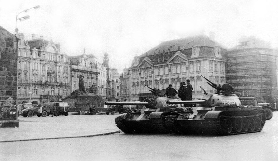 Sowjetische Panzer in Prag 1968 - foto: ALDO46 (CC BY-SA 3.0)