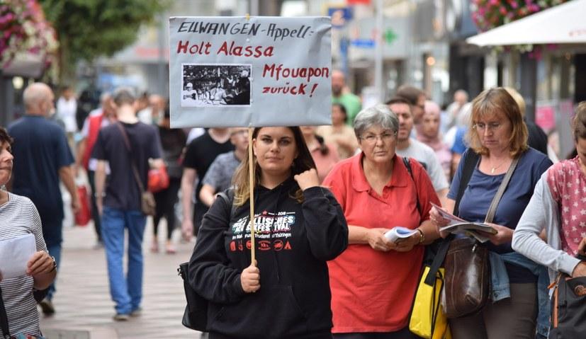 Solidarität mit Alassa beim 14-Jahres-Fest