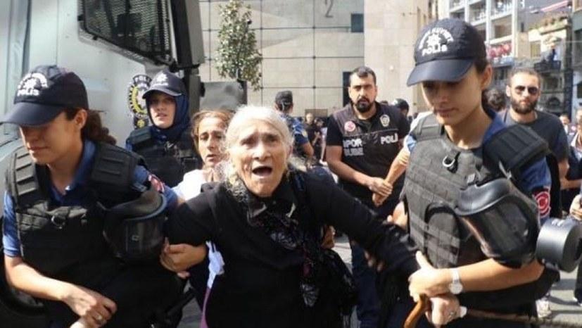 Foto zeigt Mutter des Revolutionärs Hasan Ocak