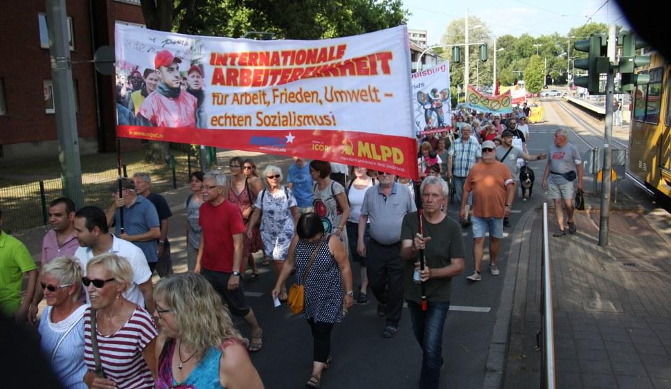 Der Kampf für den echten Sozialismus - die MLPD ist die erste Adresse dafür (rf-foto)