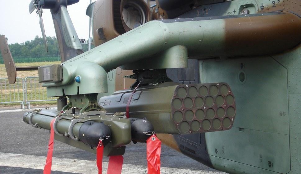 Raketen, die zur Bordbewaffnung des Kampfhubschraubers