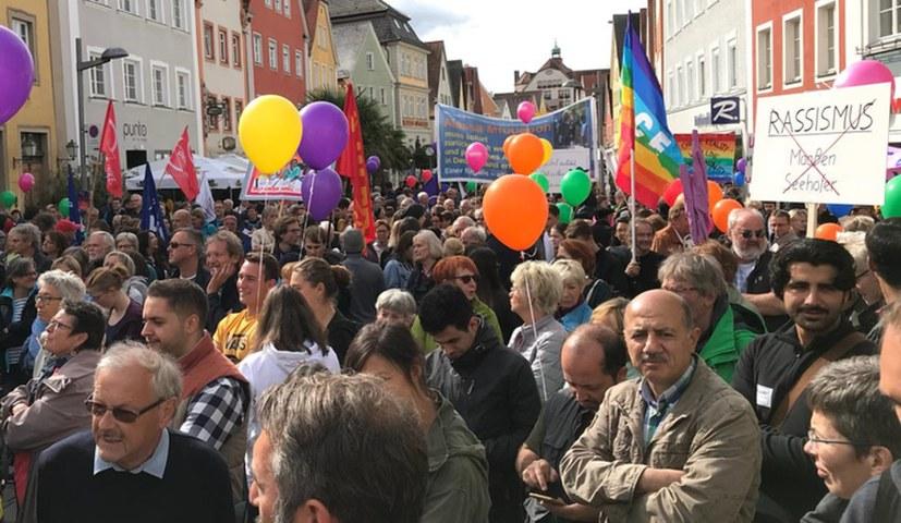 AfD-Funktionär schleicht sich bei Anti-AfD-Demo ein