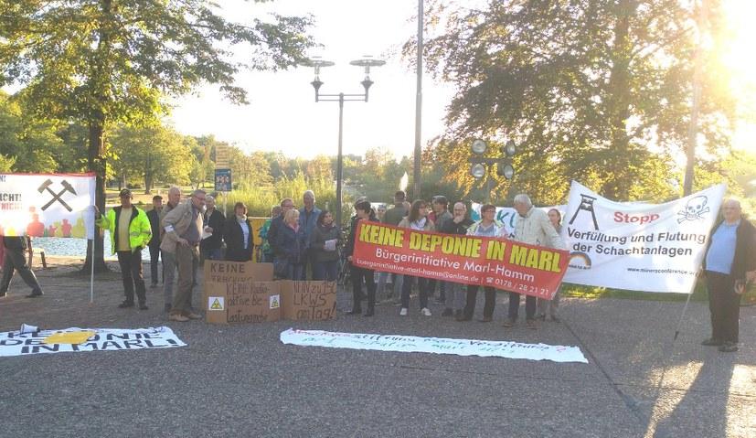 Demonstration gegen Zechenflutung, Sondermülldeponie und Waldzerstörung