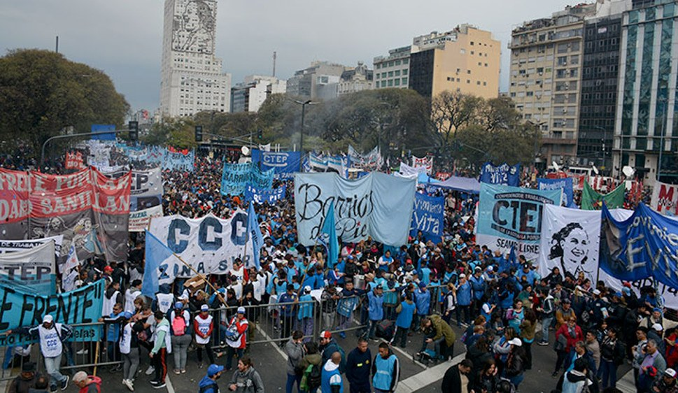 Massendemonstration am 12. September in Buenos Aires (foto: PCR)