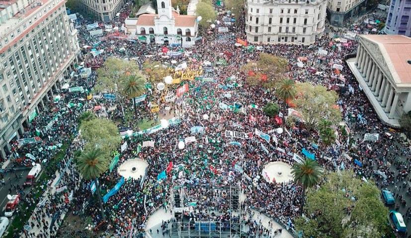 Generalstreik - Kampfansage an die ultrareaktionäre Macri-Regierung