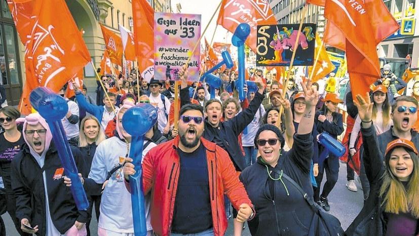 Breite Proteste gegen Rechtsentwicklung und Erdoğan-Besuch