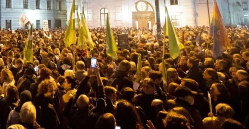 Auch in Österreich Massendemonstrationen gegen die Regierung