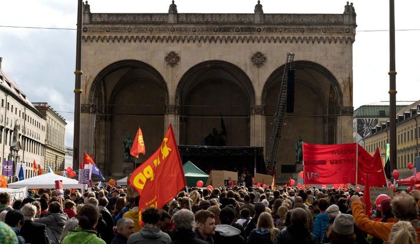 Keine Stimme den Parteien der Rechtsentwicklung – stärkt den aktiven Widerstand!