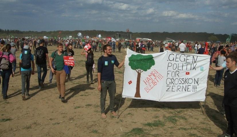 """Geplante Zerstörung des Hambacher Walds ist """"Verbrechen an Mensch und Natur"""""""
