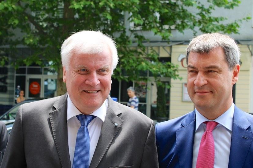 Große Koalition in Bayern krachledern abgewatscht