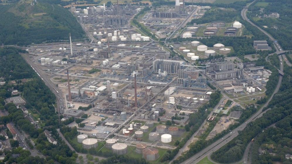 Luftbild der BP-Raffinerie in Gelsenkirchen (Foto: Krd / Eigenes Werk)