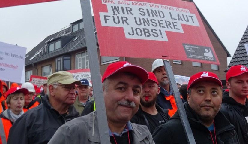 30.000 demonstrierten für ihre Arbeitsplätze