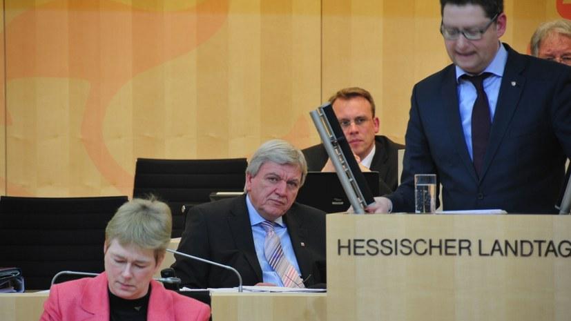 Drastisches Misstrauensvotum für Große Koalition und ihre Rechtsentwicklung