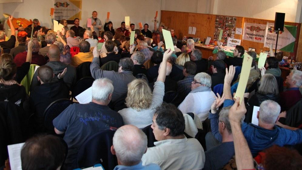 """Bündniskongress des Internationalistischen Bündnisses: """"Wir sind alle Thüringer!"""""""