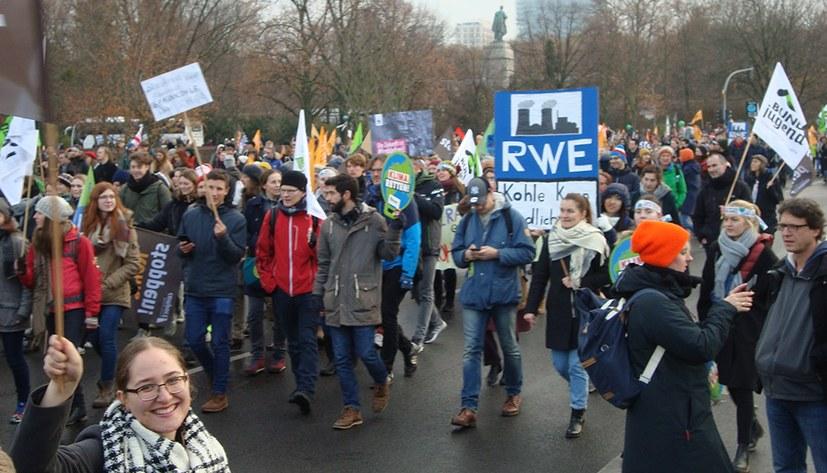 G20-Gipfel bekräftigt reaktionäre Umweltpolitik - 36.000 demonstrierten am 1. Dezember für Sofortmaßnahmen
