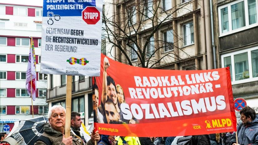 NRW-Polizeigesetz von CDU, SPD und FDP gegen breiten Protest verabschiedet
