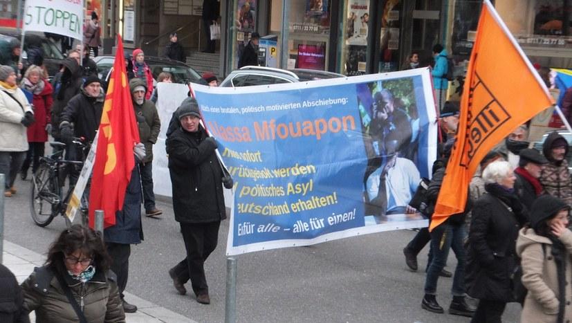 """500 demonstrierten: """"Für eine Welt, in der niemand fliehen muss"""""""
