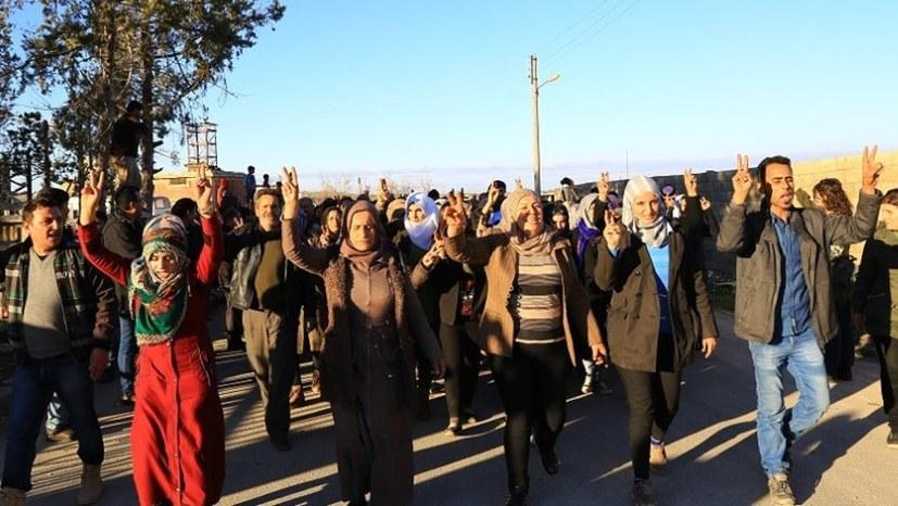 Unterstützung für Kobanê aus Raqqa