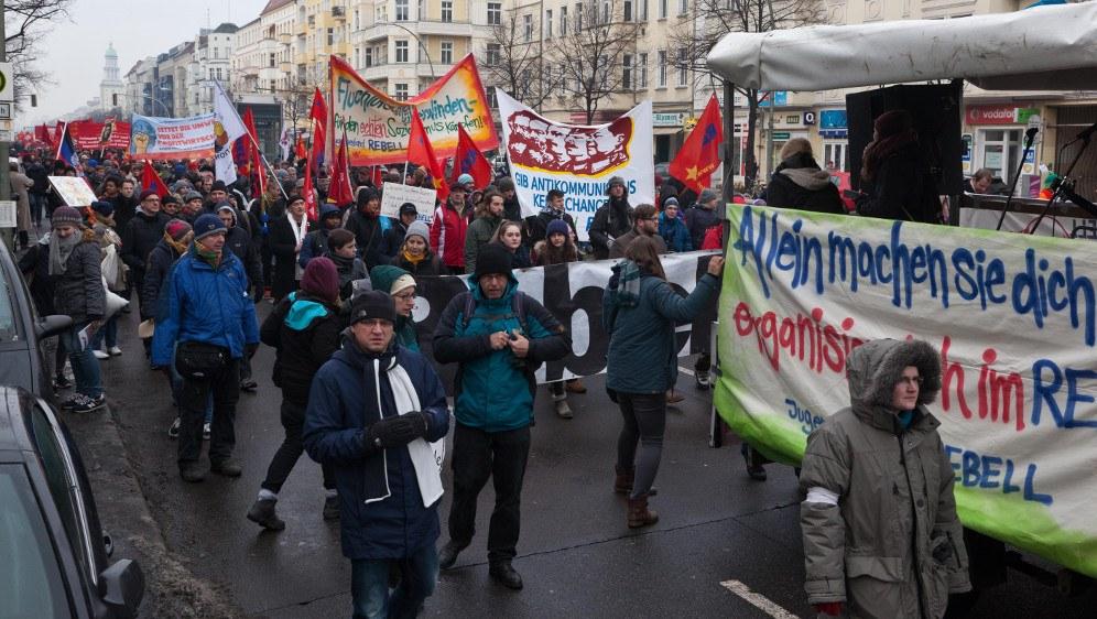 Startschuss für die Unterschriftensammlung: Die Lenin-Liebknecht-Luxemburg-Demonstration am 13. Januar in Berlin (rf-foto)