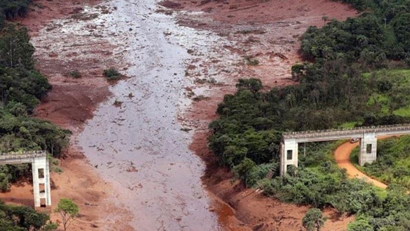 Erneuter Staudammbruch: 34 Menschen tot geborgen, 300 vermisst, riesiger Umweltschaden