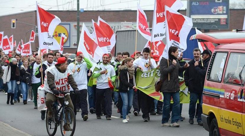 26. Februar: Gemeinsamer Streiktag mit Demonstration und Kundgebung