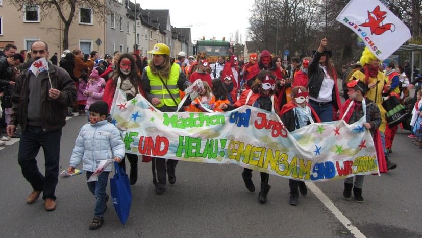 ROTFÜCHSE, REBELL & MLPD go Karneval!