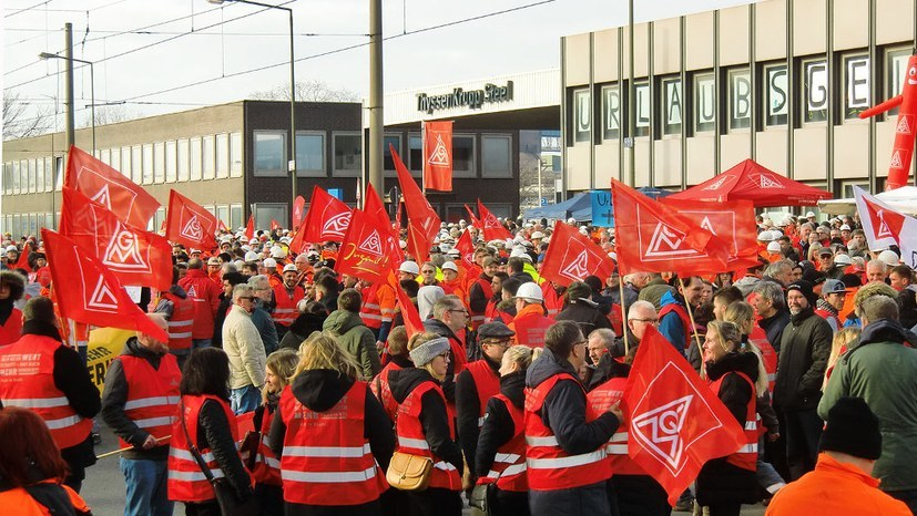 Stahlarbeiter wollen ihre Forderung durchsetzen
