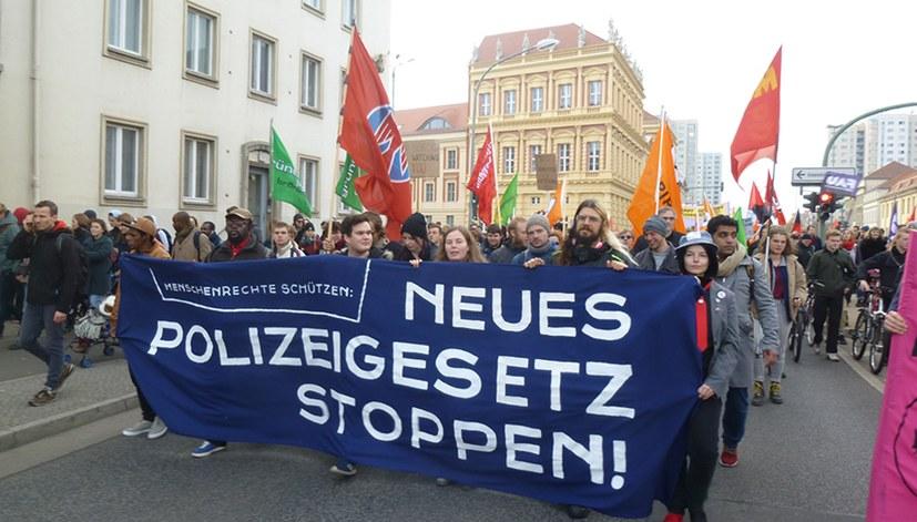 Neues Polizeigesetz: Verantwortungslose Politik