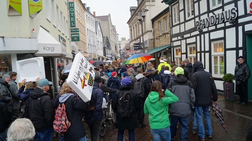 Mehr als eine Million junger Menschen auf der Straße