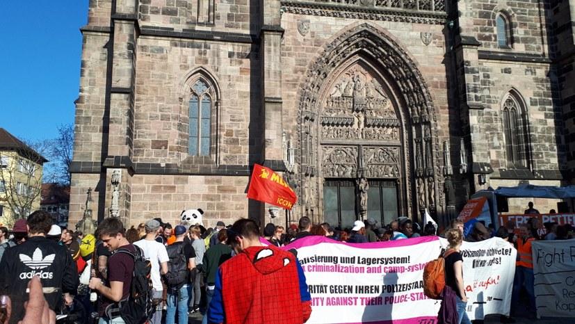 800 zogen durch die Nürnberger Innenstadt