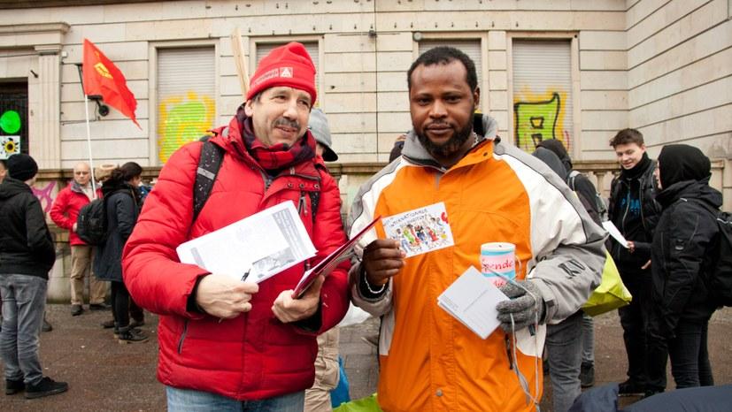 Regierung behandelt Flüchtlinge wie Straftäter