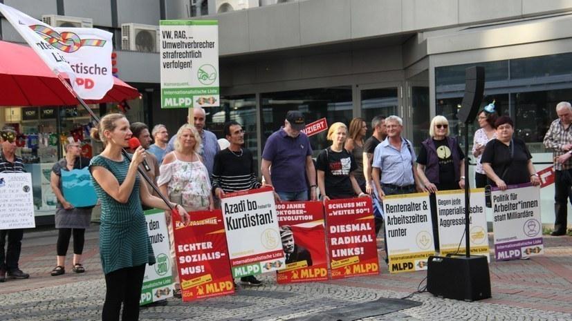Lisa Gärtner (links), eine der Spitzenkandidatinnen der Internationalistischen Liste / MLPD (rf-foto)