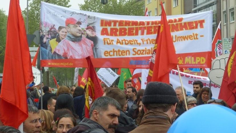 1. Mai im Zeichen des Kampfes gegen die Rechtsentwicklung der Regierungen und der Suche nach Klarheit