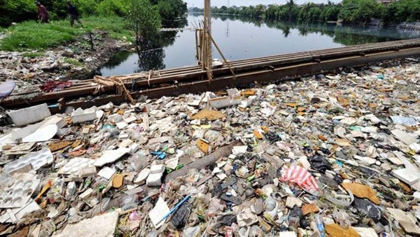 Plastikmüll – oder wie die Profitwirtschaft zum Himmel stinkt