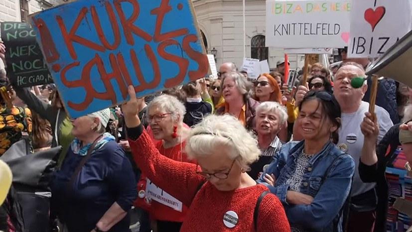 Österreich stürzt in offene politische Krise