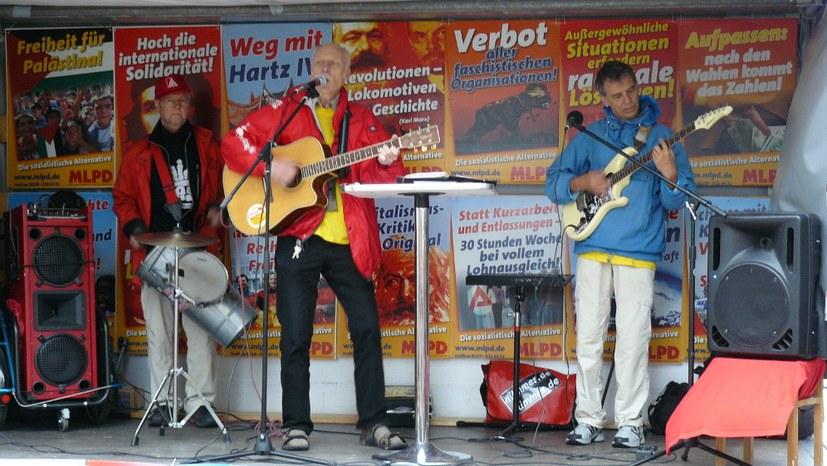 Nümmes-Straßenrock erklärt Solidarität mit Grup Yorum