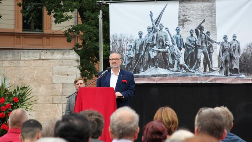 Würdiges Gedenken für Ernst Thälmann mit über 700 Teilnehmern