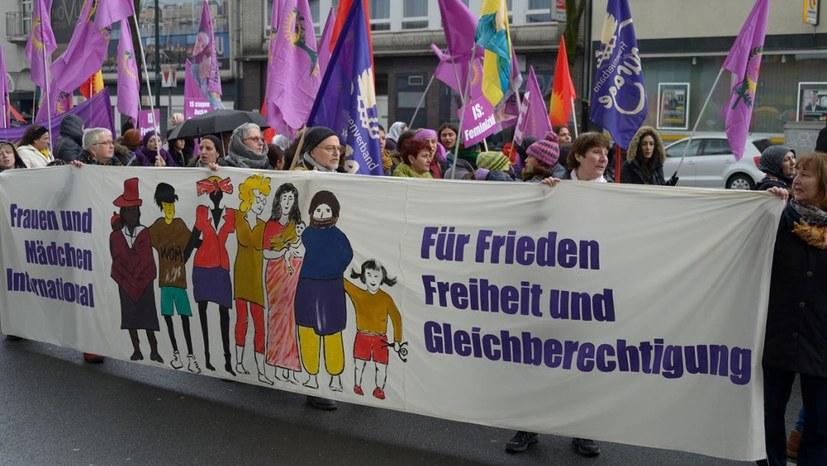 Courage-Frauen aktiv zum 1. September