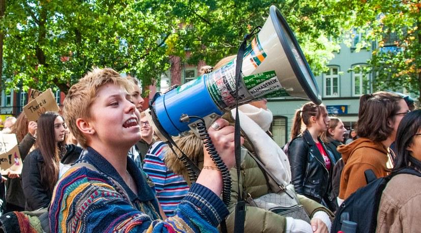 Millionen Menschen weltweit - bis zu 1,5 Millionen allein in Deutschland beim Streik- und Protesttag der Arbeiter-, Jugend- und Umweltbewegung